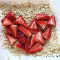 Sojamilch-Haferflocken mit Erdbeeren und Vanille